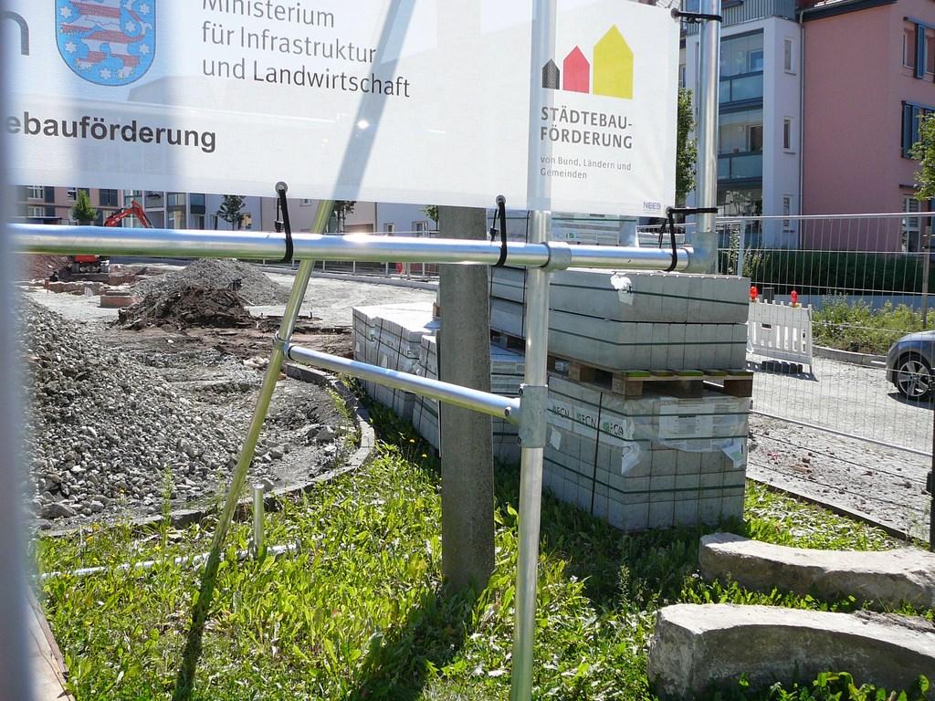 Bauschild Freisteher Bannerrahmen Stecksystem
