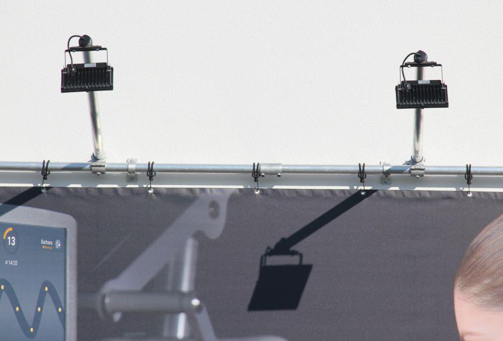 Led-strahler-set-bannerrahmen-stecksystem-wandmontage